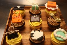 Lush Fab Glam Inspired Lifestyle For The Modern Woman: Food Art: Delicious Designer Fashion Inspired Cupcakes. Purse Cupcakes, Love Cupcakes, Cupcake Cookies, Chanel Cupcakes, Amazing Cupcakes, Decorated Cupcakes, Yummy Cupcakes, Themed Cupcakes, Chanel Cake