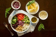 Greek Salad Bowl - Fast and Filling Dinner Salad—Ready in 10 Minutes - #ReImagineDieting Sign up for more weight loss recipes like this at fullplateliving.org