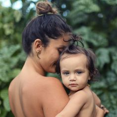 matching top buns.. i want a pic like this only with John and the baby @emileegriffith2  #imdead