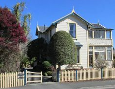 Baywick Inn Bed & Breakfast Nelson This elegantly restored bed and breakfast, originally built in 1885, is in a quiet location along the Maitai River, just a 5-minute walk from the centre of Nelson. Free bicycle rentals and free Wi-Fi are included.