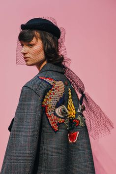 Extraordinary style - embroidery