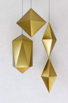 Giant Gold Geometric Paper Gems by Craftcourse Diy. Gold Paper, Diy Paper, Paper Art, Paper Crafts, Diy And Crafts, Arts And Crafts, Xmax, Ideias Diy, Shimmer N Shine