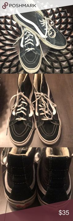 bb968e03a0b327 Shop Women s Vans Black size 10 Shoes at a discounted price at Poshmark.  Description  Skinny laces Unisex Men Sold by Fast delivery