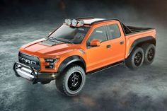 Le Ford Velociraptor 6x6 déjeune des Mercedes-AMG à six roues - Auto55.be