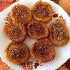 Cuisine: South African Pumpkin fritters or Pampoen koekies in Afrikaans are delicious for breakfast or dessert. South African Desserts, South African Dishes, South African Recipes, Africa Recipes, Kos, Pumpkin Fritters, Apple Fritters, Pumpkin Cake Recipes, Love Food