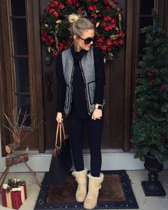 women's gray full zip vest, blue pants , pair of brown sheepskin boots outfit Cozy Winter Outfits, Cold Weather Outfits, Casual Fall Outfits, Winter Clothes, Casual Chic, Smart Casual, Outfits Otoño, Glamorous Outfits, Autumn Winter Fashion