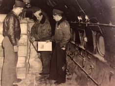 Here, three US airmen check the cargo load inside a C-47 Skytrain during the Berlin airlift. Many former US bomber pilots volunteered for duty in the Air transport command in the new born-USAF. Notice they even wear their WW2-era flying jackets, the patch on the shoulder on the men at extreme right identifies him as a China-Burma-India veteran.  [Photo: Harrington, D. Pioniere der Luftbrücke. Nishen Kommunikation, Berlin 1998].