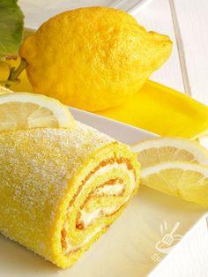 ROTOLO ALLA CREMA DI LIMONE Il Rotolo alla crema di limone è una prelibatezza che vi conquisterà al primo boccone. Soffice, agrumato e goloso quanto basta per accontentare tutti!
