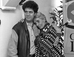 Pedro Almodóvar + Chavela Vargas Almodovar Films, Foreign Movies, Celebrity Skin, Great Women, Looking For Love, Film Director, Famous Faces, Belle Photo, Beautiful People