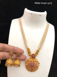 Temple jewellery available at Ankh Jewels for booking WhatsApp on Trendy Jewelry, Jewelry Art, Gold Jewelry, Jewelery, Gold Necklace, Bridge Pose, Gold Jewellery Design, Rakhi, Temple Jewellery