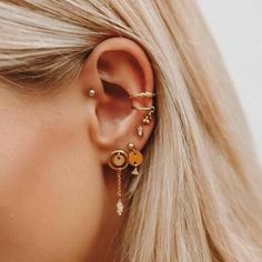 Are Your Trendy Ear Piercings Helping You On A Wellness Level? Are Your Trendy Ear Piercings Helping You On A Wellness Level? Ear Jewelry, Trendy Jewelry, Cute Jewelry, Body Jewelry, Jewelery, Jewelry Accessories, Fashion Jewelry, Jewellery Earrings, Feather Earrings