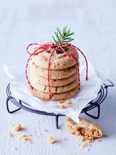 Pehmeät piparit | Meillä kotona Camembert Cheese, Pancakes, Cookies, Breakfast, Desserts, Food, Crack Crackers, Morning Coffee, Tailgate Desserts