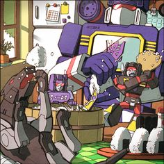 Go to complain to my friend about the fangirlism I'm developing for G1 Soundwave and he sends me this. NOT HELPING, DUDE! Ravage, what are you doing… it's cute…