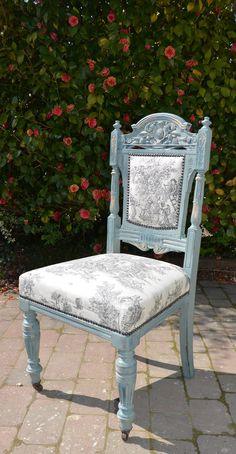 Nice legs #anniesloan - now the full reveal! #anniesloanfabric #ChalkPaint™ Duck Egg Blue
