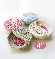 Jewelry dish crochet pattern, mothers day gift for her, Crochet patterns Yin Yang jewelry dish, photo tutorial. Crochet Basket Tutorial, Crochet Basket Pattern, Crochet Flower Patterns, Crochet Flowers, Crochet Bowl, Yin Yang, Crochet Motifs, Basic Crochet Stitches, Crochet Mandala
