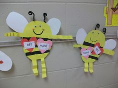 day party first grade Bee Mine! Valentine's Day Crafts – Bee Mine! day party first grade Bee Mine! Valentines Day Wishes, Valentine Day Crafts, Holiday Crafts, Valentine Ideas, Holiday Ideas, Fun Crafts For Kids, Projects For Kids, Art For Kids, Children Crafts