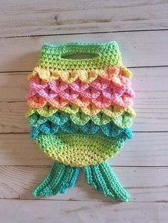 Ravelry: Mermaid Tail Handbag pattern by The Yarn Conspiracy Crochet Beach Bags, Crochet Fish, Crochet Mermaid Tail, Crochet For Kids, Diy Crochet, Crochet Crafts, Crochet Baby, Crochet Projects, Crochet Ideas