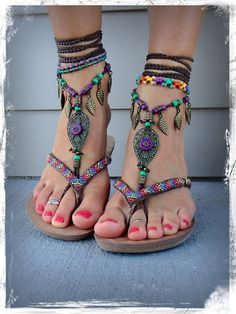 Great idea to wear barefoot sandals with other sandals