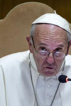 """Papa Francesco allassemblea Cei: """"La Chiesa sia più sobria, rinunciate ai beni non necessari e liberatevi dai narcisismi"""""""