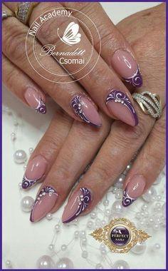 nails ideas - New Ideas Beautiful Nail Art, Gorgeous Nails, Pretty Nails, Fancy Nail Art, Fancy Nails, Plaid Nails, Nagellack Design, Lines On Nails, Sexy Nails