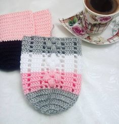Crochet Sandals, Crochet Shoes, Crochet Slippers, Crochet Clothes, Crochet Mask, Crochet Ripple, Bag Pattern Free, Crochet For Beginners, Yarn Needle