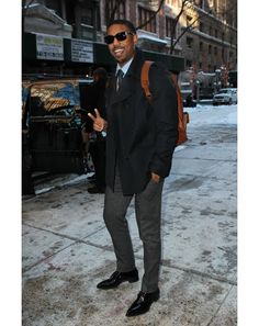 Heavy coat - how to wear - dress shoes, shades and tie during the day