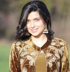 Cute Girl Poses, Cute Girls, Beautiful Indian Actress, Beautiful Actresses, Indian Actresses, Actors & Actresses, Nimrat Khaira, Punjabi Suits, Singers