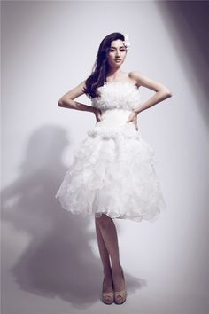 A-Line/Princess Strapless Keen-Length Organza Wedding Dress With Embroidery Beadwork Flowers [A-Line/Princess Strapless Keen-Length Organza Wedding Dress With Embroidery Beadwork Flowers] - $209.00 : Wedding Dress Online Store, We will create the most professional wedding dress design.