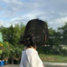 Wish I could go this color but I'd look pale and emo 😞 Japanese Short Hair, Asian Short Hair, Girl Short Hair, Ulzzang Short Hair, Ulzzang Korean Girl, Aesthetic Photo, Aesthetic Girl, Pelo Ulzzang, Uzzlang Girl