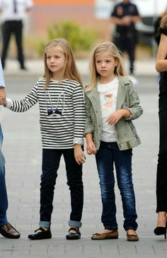 MYROYALS &HOLLYWOOD FASHİON: Infanta Leonor and Infanta Sofia visit their grandfather King Juan Carlos in the hospital