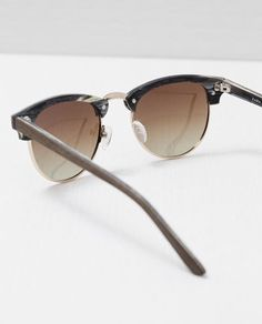 Image 3 of WOOD EFFECT SUNGLASSES from Zara
