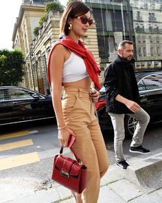 "3,962 Me gusta, 8 comentarios - Hadid News (@hadidnews) en Instagram: ""July 1: #BellaHadid arriving at Miu Miu's showroom in Paris."""