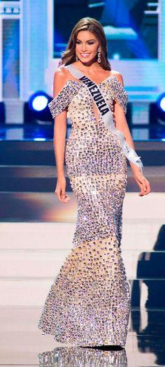 Miss USA Universe 2014 Nia Sanchez - Preliminary Competition ...