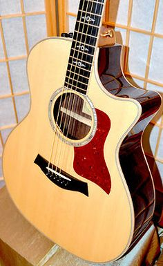 TAYLOR 814CE GUITAR I WANT THIS GUITAR. Oh my gosh, so pretty!!