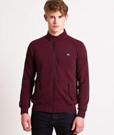 #WeekendOffender ha fabricado esta #Harrington en un tejido mas ligero de lo habitual como si de una chaqueta deportiva se tratase. Con un precio inmejorable y el fitting que se esperaría de esta prenda. Es sin duda una opción perfecta para el #invierno #Canario solo en #RegalizFunwear #GranCanaria