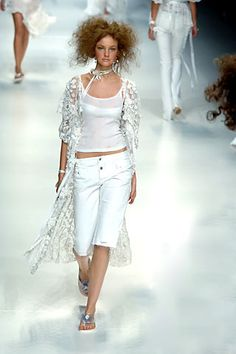 D&G Spring 2006 Ready-to-Wear Fashion Show - Caroline Trentini