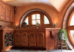 "Ecolodge - A ""hobbit""-looking house in Eastman! Hobbit Hole, The Hobbit, Habitat Troglodytique, Casa Dos Hobbits, Earth Sheltered Homes, Natural Building, Modern Buildings, Little Houses, Interior Design Inspiration"