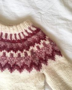 Items similar to ON SALE - Hand-knitted sweater with icelandic wool - kids lopapeysa - on Etsy Hand Knitted Sweaters, Knitted Hats, Icelandic Sweaters, Hand Knitting, Knitting Yarn, Wool, Blanket, Trending Outfits, Crochet