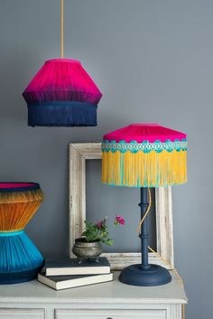 Manufacturers and distributors of decorative trimmings, tie… Castellano Beltrame. Manufacturers and distributors of decorative trimmings, tiebacks and trimmed scatter cushions all in innovative designs in trendsetting colours. Decoration Bedroom, Diy Home Decor, Room Decor, Decor Crafts, Diy Crafts, Diy Interior, Interior Design, Deco Luminaire, Deco Boheme