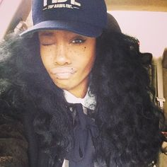 SZA!!!! Her music is mind-blowing & I love her hair so much