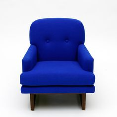 Melinda Chair Yves Klein now featured on Fab. I would love to see a white cat sitting on this chair. Blue Colour Palette, Color, Yves Klein Blue, Blue Furniture, Wood Furniture, Single Sofa, Electric Blue, Contemporary Furniture, Decoration