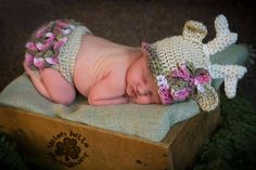 Crochet deer hat and diaper cover, baby photo prop Check out this item in my Etsy shop https://www.etsy.com/listing/467954045/precious-moment-deer-hat-and-diaper