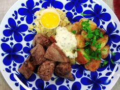 Biff Rydberg med pepparrots- och senapskräm | Recept från Köket.se Baby Food Recipes, Food Baby, Tandoori Chicken, Love Food, Bacon, Eggs, Beef, Breakfast, Ethnic Recipes