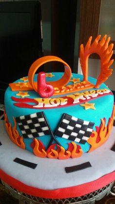 Pista de carreras Hot Wheels cake