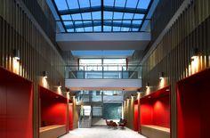 European Bioinformatics Institute: South building in Hinxton (Great Britain) / Europejski Instytut Bioinformatyki: Południowy budynek w Hinxton (Wielka Brytania).