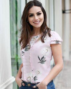 """1,654 curtidas, 37 comentários - DOCE FLOR (@doceflorsp) no Instagram: """"{Lançamento} Detalhes dessa blusa linda floral estampa exclusiva na querida @camybaganha! """""""