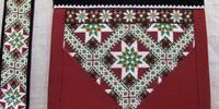 Bringeduker og belter til Hardangerbunad Hardanger Embroidery, Loom Beading, Norway, Crocheting, Belts, Weaving, Textiles, Costumes, Crochet