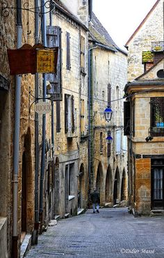 gourdon, france | villages and towns in europe + travel destinations #wanderlust