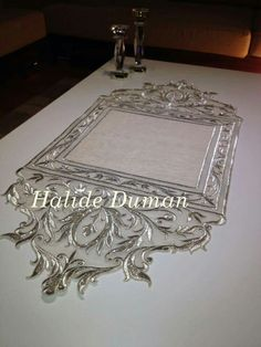 Halide Duman Machine Embroidery Patterns, Embroidery Stitches, Embroidery Designs, Gold Embroidery, Vintage Embroidery, Embroidery Dress, Velvet Armchair, Gold Work, Heirloom Sewing