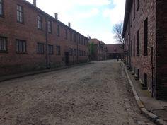 Auschwitz lijkt net een stad met woningen en straten. Net, Warsaw, Poland